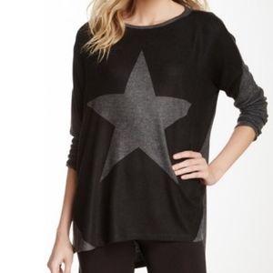 GO COUTURE Star Sharkbite Long Sleeve Pullover